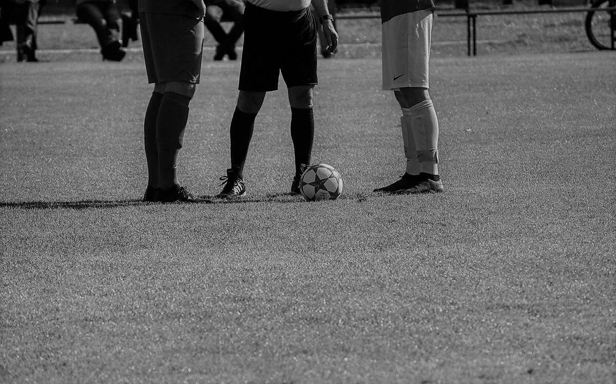 kick off at soccer game